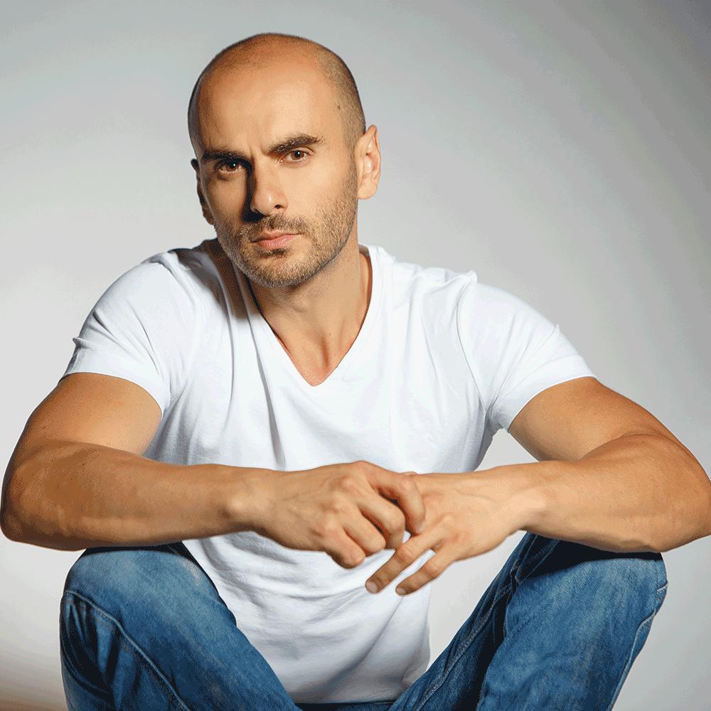 Robert Dinescu - creatorul conceptului de antrenamente BODYUPGRADE 60 days challenge I BODYUPGRADE.RO
